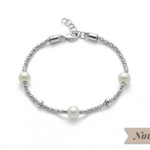 Bracciale in argento 925/1000 regolabile da 17cm fino a 19cm, chiusura a moschettone. Perla grigia coltivata misura 6,5-7.