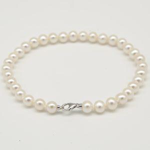Bracciale per Donna a Marchio Miluna, referenza 1MPE556-18NL566 Bracciale con perle e chiusura a moschettone in Oro 750/1000. Perle Bianche Misura 5,5-6 mm, il prodotto è realizzato in microfusione.