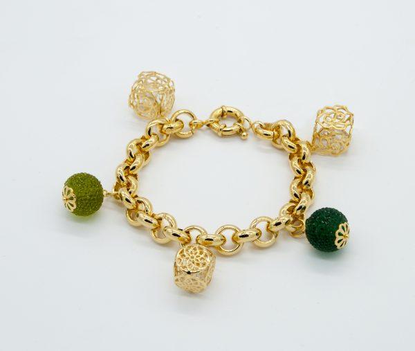 Bracciale Peñaranda anallergico 21cm regolabile - maglia catena rolò oro -sfere verde a forma di more - cubi traforati con pietre bianche all'interno.