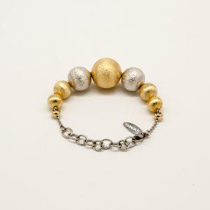 Bracciale Coconuda anallergico 19cm regolabile - catena argento- sfere diversa grandezza satinate di colore oro ed argento.COBR2004