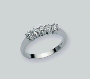 Anello Veretta in oro 750/1000, n.5 diamanti KT 0,15 taglio brillante rotondo,il pezzo è realizzato in microfusione. Made in Italy