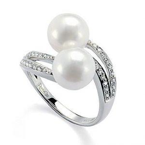 Anello per Donna a Marchio Donna Oro, referenza P764 Anello in oro 18kt 750/1000, Numero 2 perle coltivate,Diamanti KT 0,22 taglio brillante rotondo,