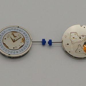 Marca: RONDA Calibro Movimento: 5030D Dimensioni: 12½ '' Altezza movimento: 4,4 mm Sfere : 3 Diametro: 28 mm Funzioni: Chrono 30 minuti al 9  Chrono 60 secondi al 3  Chrono 12 Ore al 6  Data al 4