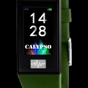 Orologio Calypso Uomo-Donna con codice K8500/8 Collezione SmarTime La cassa è di colore Nero,con due cinturini intercambiabili disponibili, Entrambi in Gomma, uno di Colore Verde Militare, l'altro di colore Viola-Blu. Nelle opzioni di utilizzo vi sono vari tipi di display da poter scegliere. Le funzioni disponibili sono svariate: Frequenza Cardiaca, La Variabilità della frequenza cardiaca (HRV), Il Misuratore di pressione, Sveglie, Cronometro, C'è il controllo Remoto Musica, Funzione Trova il Mio Telefono, Il Controllo Sedentarietà, Calendario, Notifiche per le telefonate in arrivo, Le Notifiche dei Messaggi, Varie modalità Sport: corsa, ciclismo, trekking, calcio, basket. Il Contapassi, Il Controllo Remoto Fotocamera. Monitoraggio del Sonno, App dedicata. E' Compatibile con iOS (versione 9 e superiori), e Android (versione 4.4 e superiori) C'è la Ricarica USB senza necessità di spinotto, Il Tempo di Ricarica circa 60 Minuti, Autonomia in standby 20 giorni, Connessione Normale 5-7 Giorni La Risoluzione dello schermo touchscreen: 135 x 240 pixels L'orologio viene fornito con Scatola e garanzia ufficiale per 2 Anni Calypso