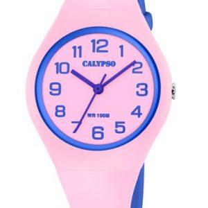 Orologio Solo Tempo per Donna a Marchio Calypso, con la referenza K5777/1 Cassa in plastica rosa di forma rotonda con diametro 37,60 mm e spessore 10,25 mm, Cinturino in gomma rosa - chiusura con fibbia, Il quadrante è rosa - lancette di colore viola, Movimento al quarzo Y121E', L'impermeabilità della cassa è di 10 atmosfere, Il nome della collezione a cui appartiene è Sweet Time.